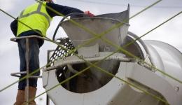 Works at heights in rope access in Beveren, Belgium